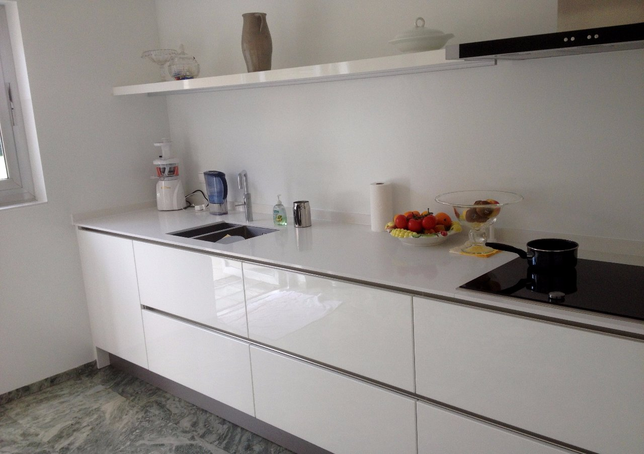 witte hoogglans greeploze keuken  consenza for ., Meubels Ideeën