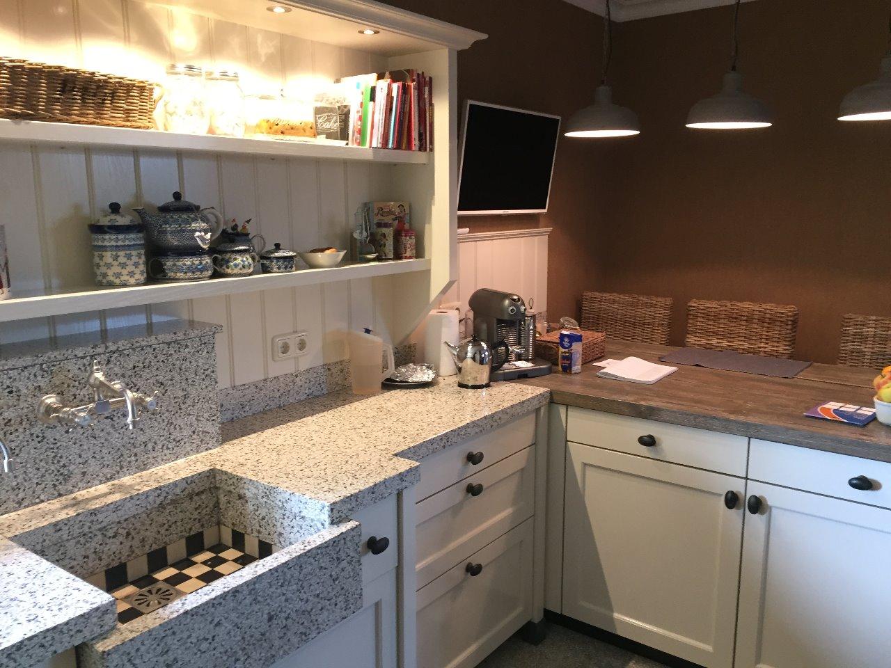 Witte Keuken Zwarte Plint : geplaatst in keukens werkblad composiet ...